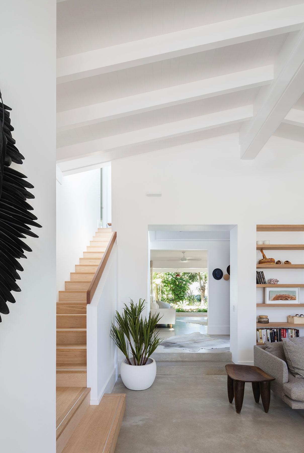 a1_livingstair_west