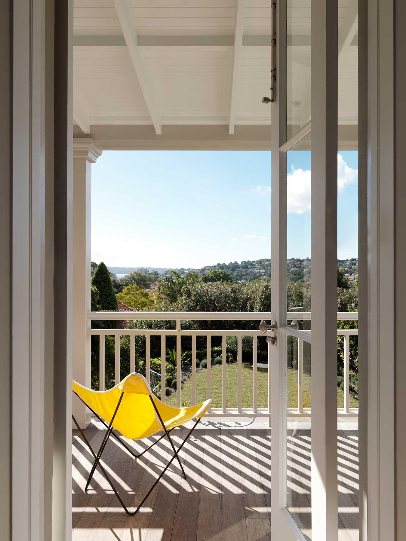 t1_balcony_south